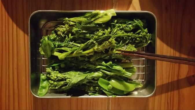 バットの上の野菜